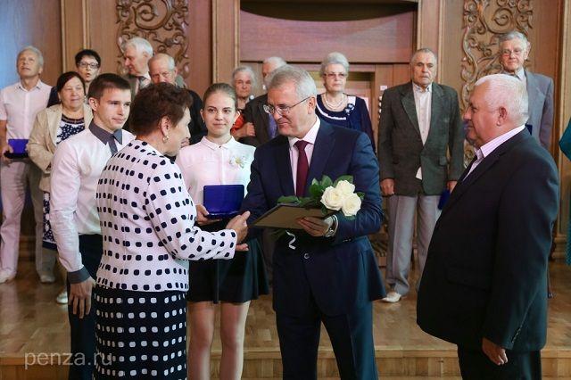 Сам Иван Белозерцев также имеет право на подобную награду.
