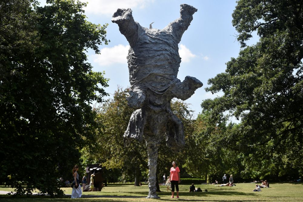 5 июля. Скульптура Микеля Барсело «Большой слон» на выставке скульптуры Фризе в Лондоне.