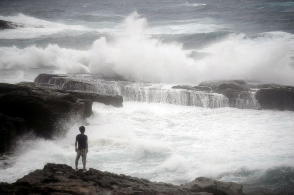 4 июля. Мощный тайфун, приближающийся к берегам Японии.
