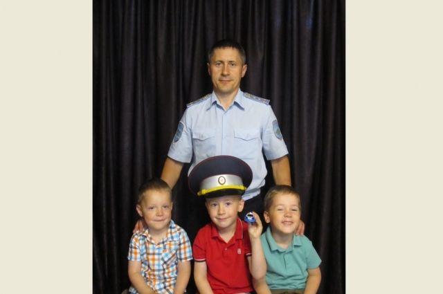 Семья капитана полиции Игоря Воронова