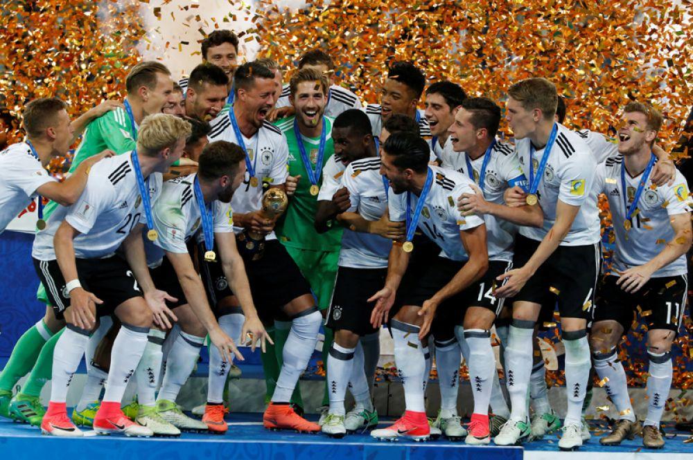 2 июля. Германия празднует победу в Кубке конфедераций-2017.