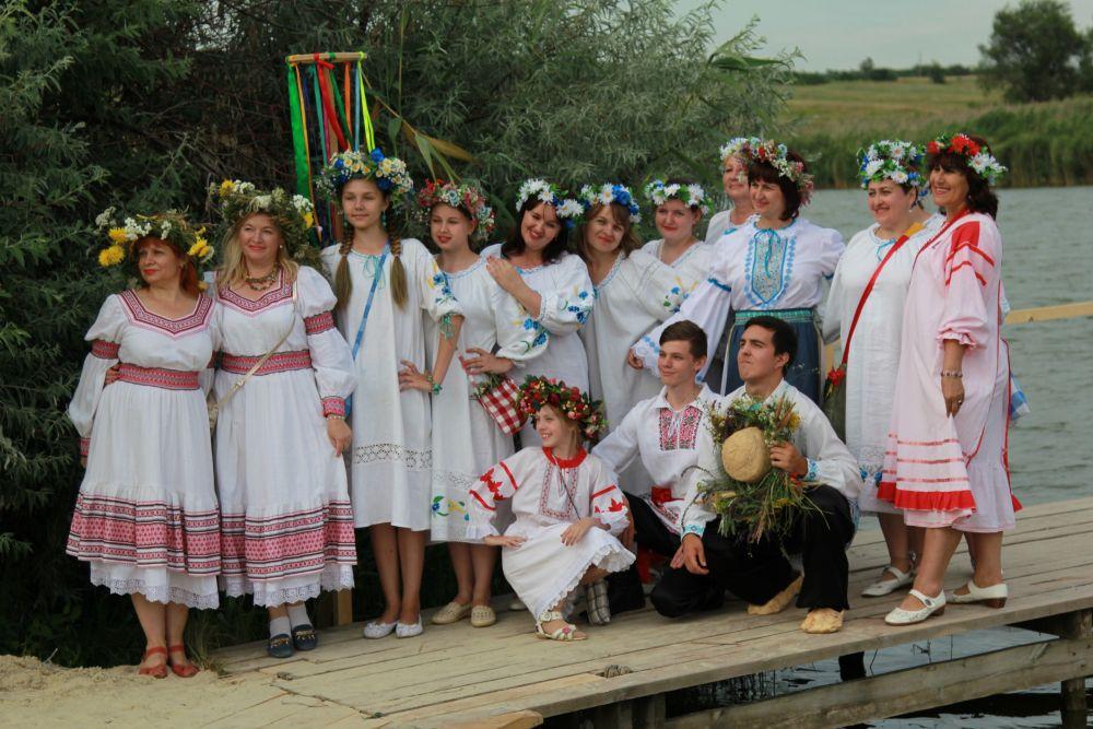 Главное действо происходило на берегу реки Кагальницкой.