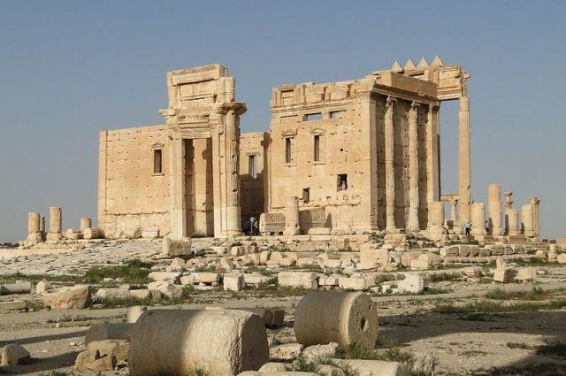Копию легендарной пальмирской колонны можно увидеть в«Царском Селе»