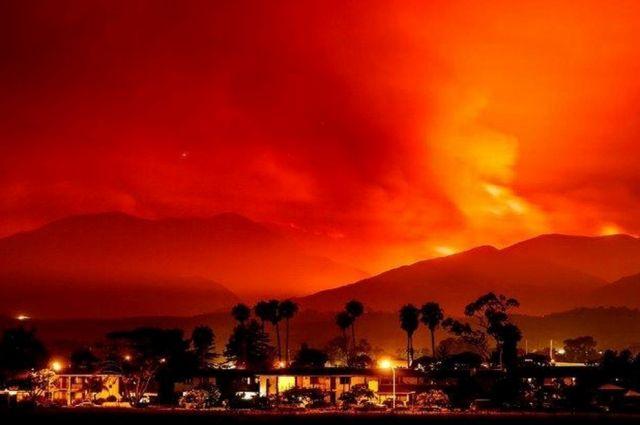 Санта-Барбара: лесной пожар добрался додетского лагеря, 150 человек заблокированы