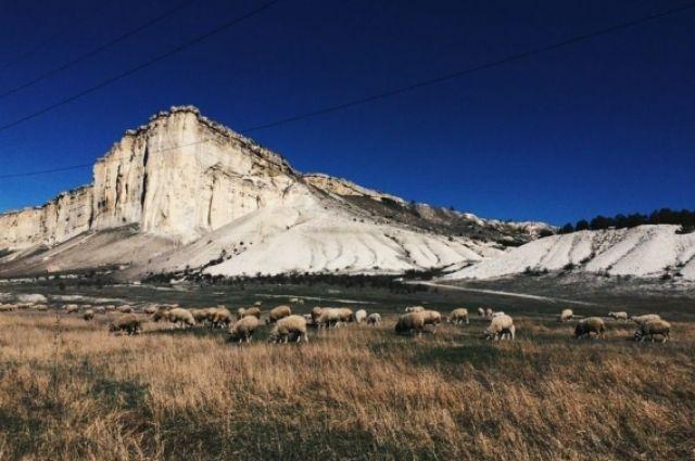 Белая скала.