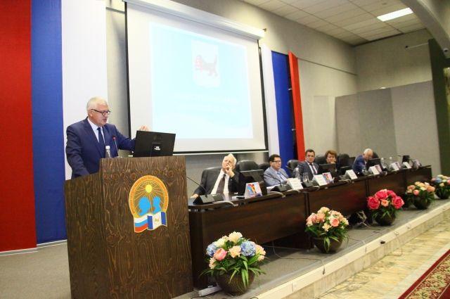 Спикер Законодательного Собрания Сергей Брилка сравнил бюджеты Приангарья и Крыма.