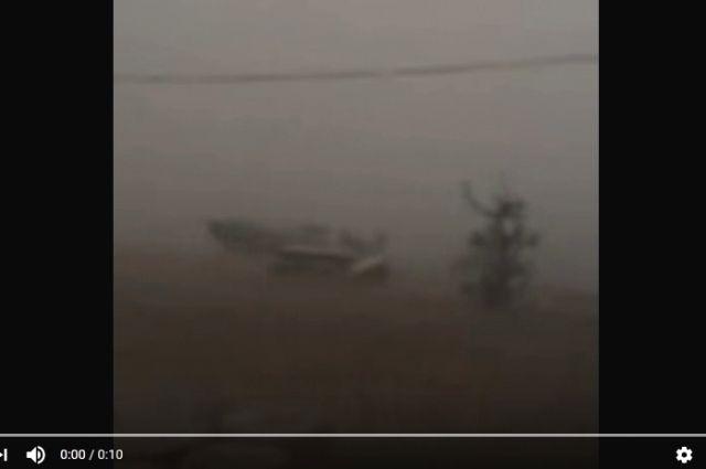 Шторм на Байкале сняли очевидцы.