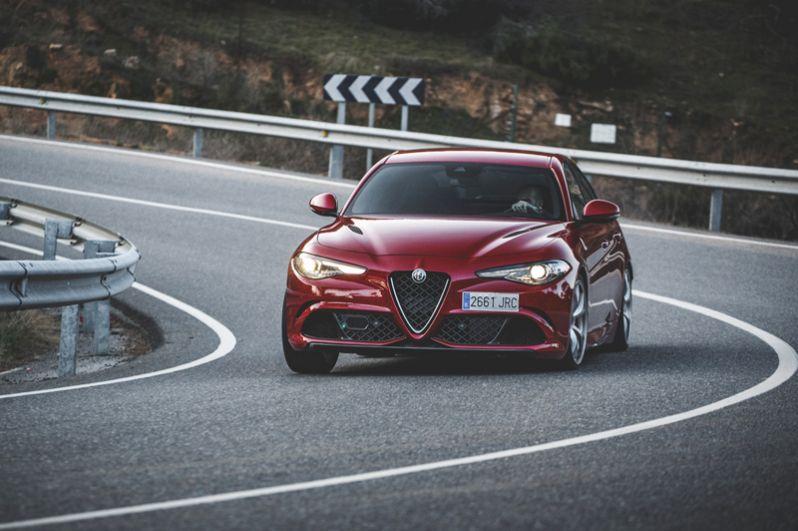 3 место: Alfa Romeo Giulia Quadrifoglio