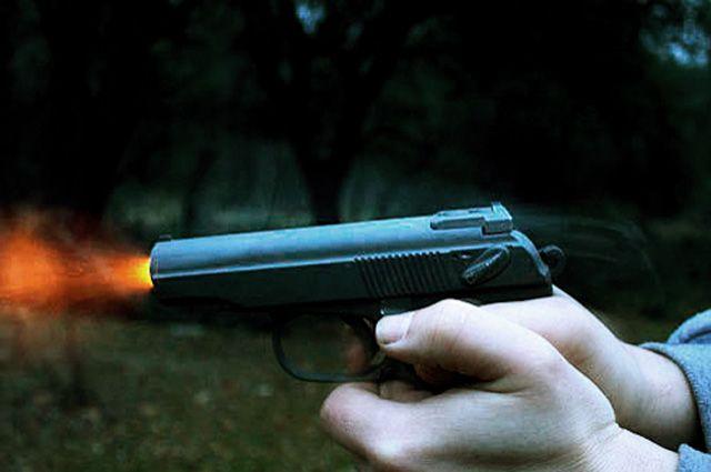 На теле мужчины обнаружены травмы от огнестрельного оружия.