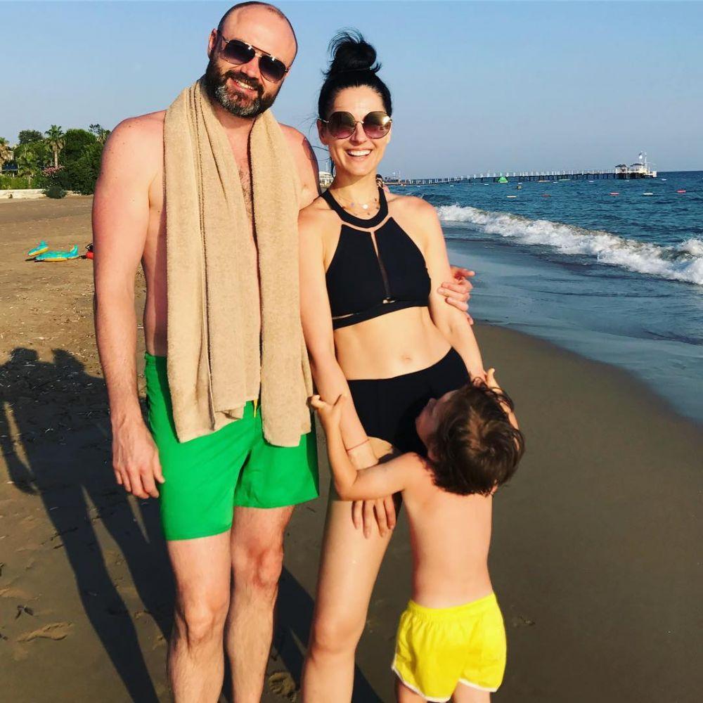 Маша Ефросинина отправилась в отпуск с семьей
