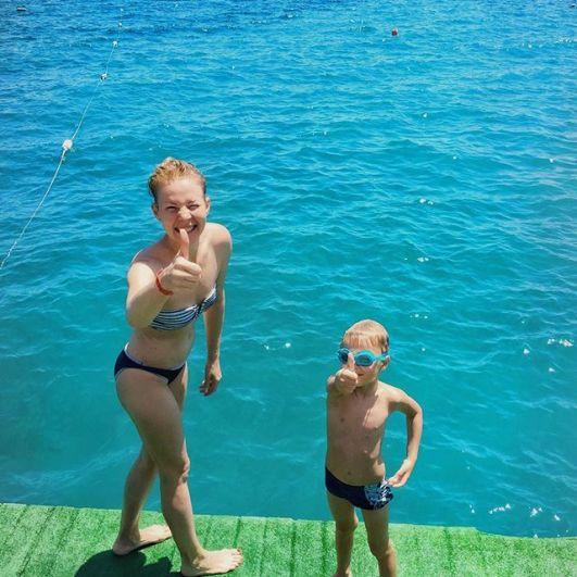Сейчас Марина вместе с сыном Гордеем отдыхает в Турции