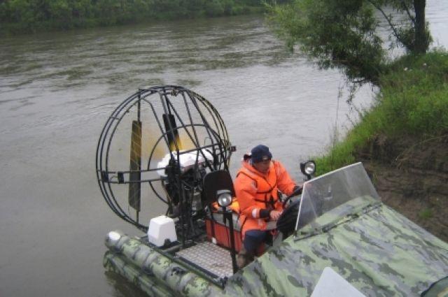 К поискам туристов подключены спасатели двух регионов.