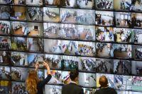 Почти год назад, в единый день голосования 18 сентября 2016-го, изображения с камер наблюдения, установленных на избирательных участках, транслировали на монитор в Центральной избирательной комиссии. Почему бы не сделать это и на муниципальных выборах?