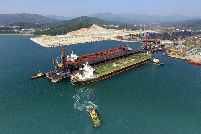 На угольных терминалах Восточного порта серьёзно занялись пылеподавлением.