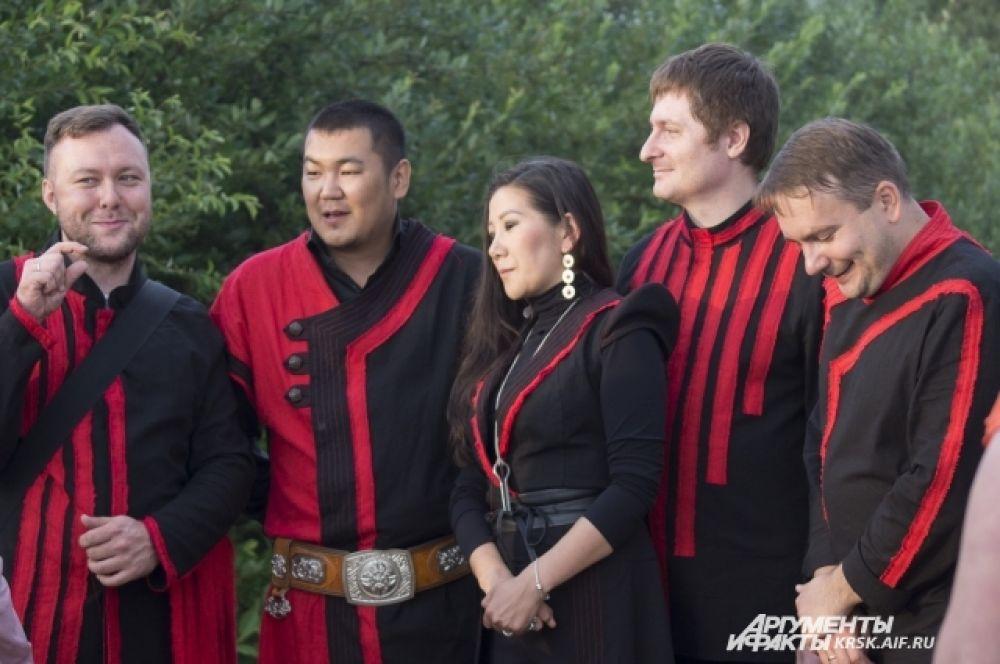 Музыканты группы «Иренек Хан».