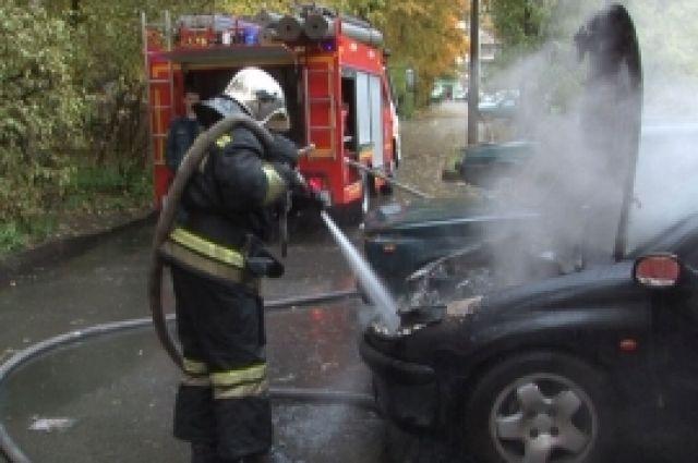 В Оренбурге в Центральном районе утром сгорел автомобиль.