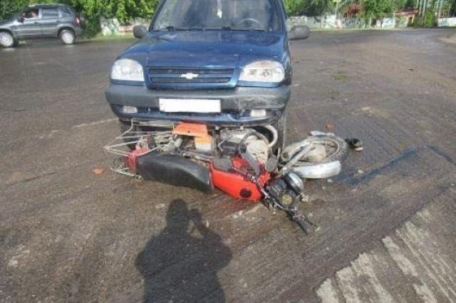 Водитель транспортного средства не уступил дорогу автомобилю, ехавшему по главной.