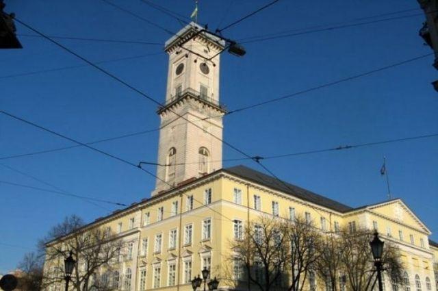 Вольвовской мэрии идут обыски в 2-х подразделениях
