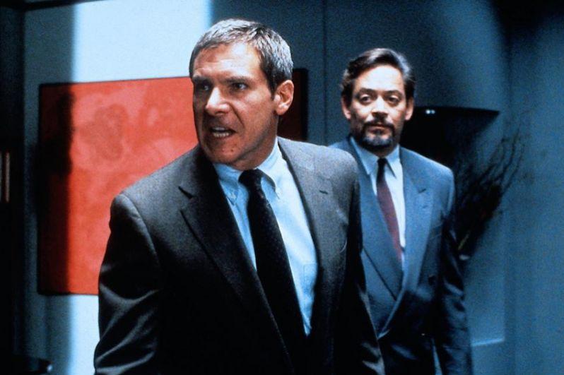 «Презумпция невиновности» (1990) — окружной прокурор Расти Сабич.