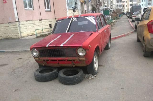 Основной удар принял на себя отечественный автомобиль