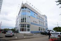 Квадратный метр в здании на бульваре Гагарина, 24 оценили почти в 100 тысяч рублей.