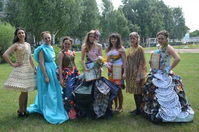 Участницы конкурса красоты в ИК-6