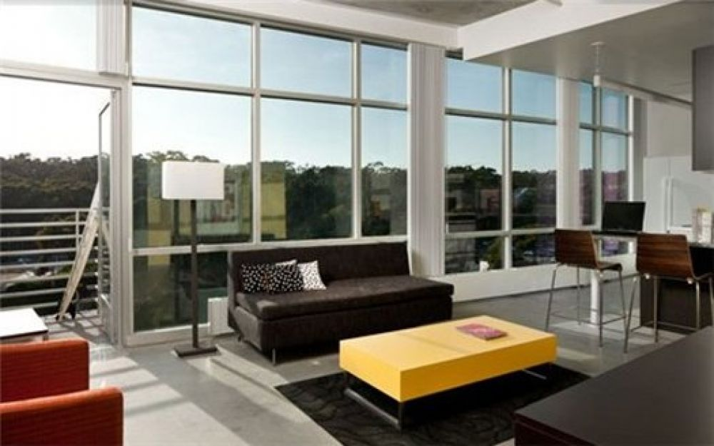 В США студенты как правило живут в общежитиях (кампусах), которые расположены на территории университета