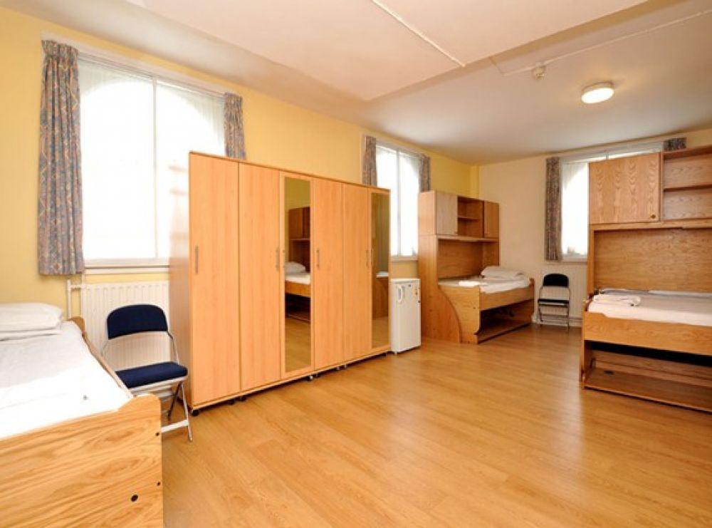 Особенно стоит отметить, что иногда в общежитии для студентов предоставляют и питание