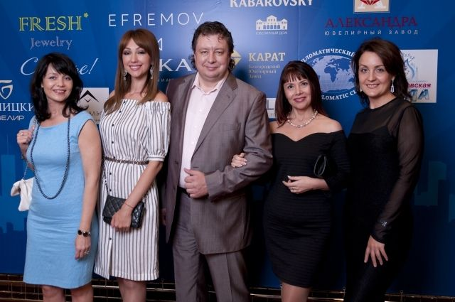 Генеральный директор «Александрита» Сергей Рыбаков вместе с коллегами получил главный приз конкурса.