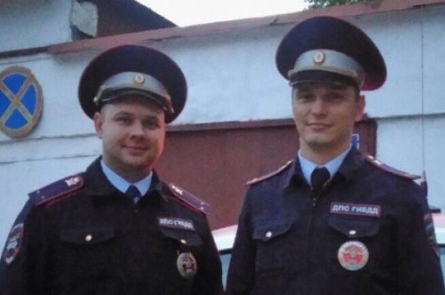 Андрей Заровняев и Ярослав Кондратьев служат в дорожно-патрульной службе МО МВД России «Чусовской».