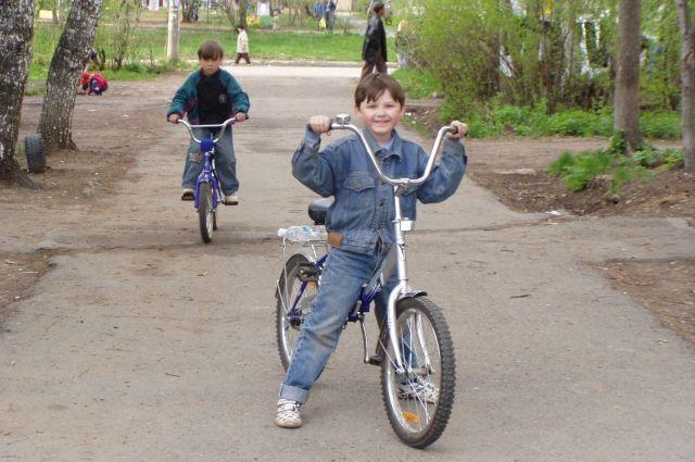 Юные жители Тарко-Сале угнали велосипед