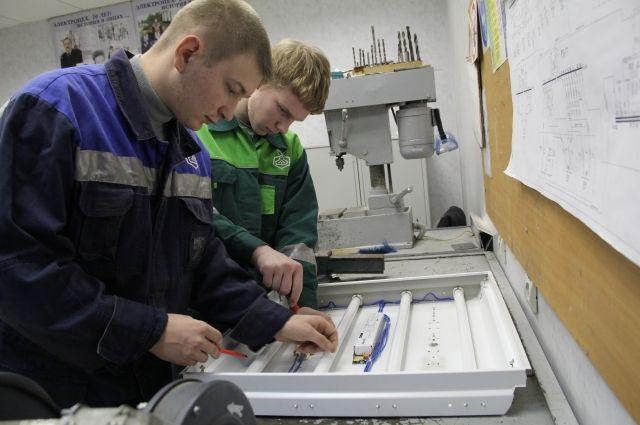 Кроме того, предприятие и техникум будут сотрудничать в рамках подготовки учебных и методических материалов.