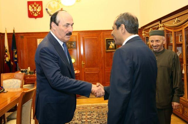 Руководитель республики встретился спослом Королевства Саудовская Аравия в РФ
