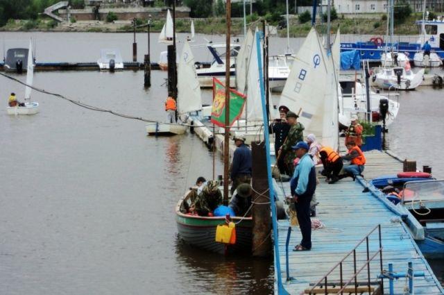 Участники шлюпочного сплава планируют пройти по Иртышу  от Омска до Тобольска.