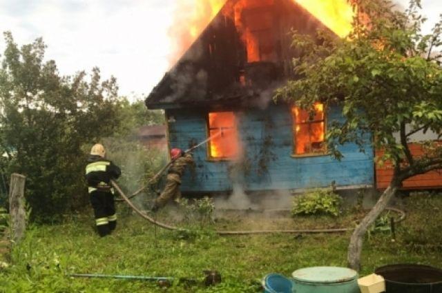 Тюменец инсценировал поджог своего дома, чтобы отомстить обидчице