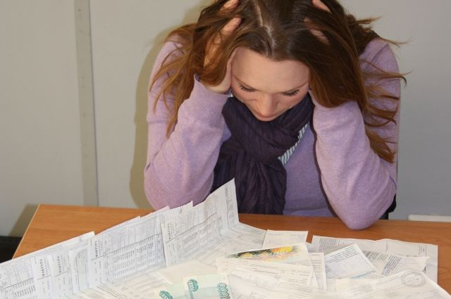 Хозяйка дорогой вещи добровольно не хотела погашать крупный долг за коммунальные услуги – более 56 тысяч рублей.