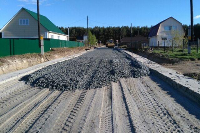 В Тюменском районе активно ремонтируют муниципальные и региональные дороги
