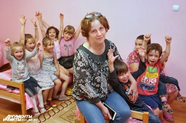 Татьяна счастлива, когда ее окружают дети