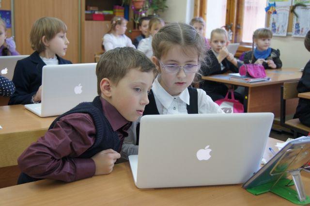 Цифровые образовательные технологии будут развивать в Тюменской области
