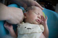 Никакого молока и манки. Чем категорически нельзя кормить младенцев?   Здоровье ребенка   Здоровье   Аргументы и Факты