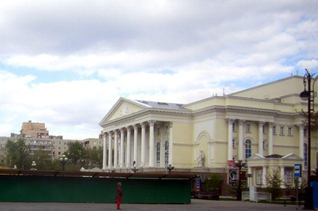 Тюменский театр планирует увеличить число недорогих билетов