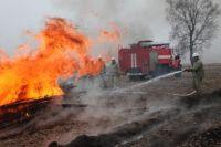 Двухквартирный дом сгорел в Тюмени