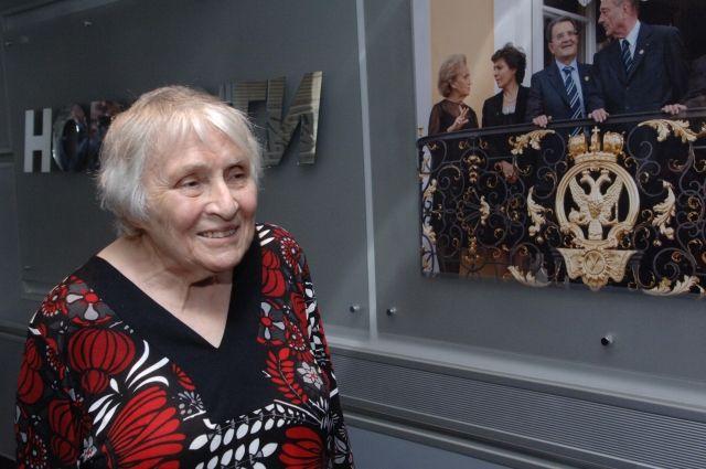 Скончалась автор серии романов об Анжелике Анн Голон