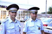 Полицейские, спасшие ребенка.