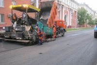 На трех улицах Кемерова продолжается ремонт дорожного полотна.