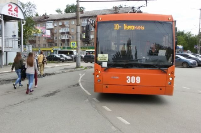 По факту аварии с участием пассажирского транспорта ведётся проверка.