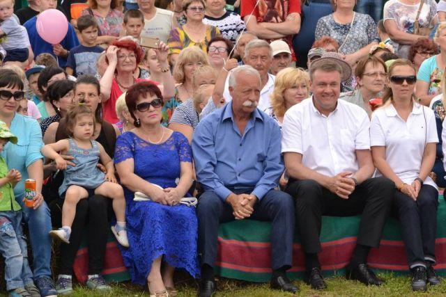 Леонид Якубович вместе с главой Рязанского региона Николаем Любимовым на фестивале «Малина».
