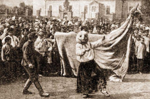 «Вождение русалки» (коня) в селе Оськино Воронежской губернии, 1930-е.