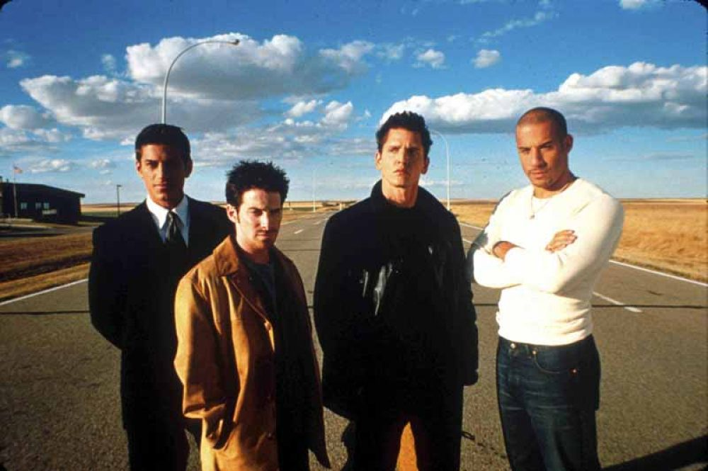 В фильме «Вышибалы» (2001) Вин Дизель исполнил роль Тэйлора Риза, друга сына одного из влиятельных мафиозных боссов Бруклина.