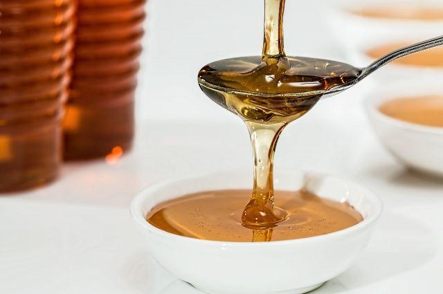 Хороший мед должен «стягиваться» на ложке.